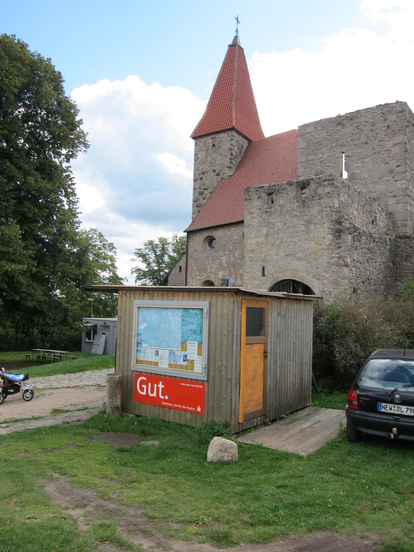 leuchtenberg castle ruins one. Black Bedroom Furniture Sets. Home Design Ideas